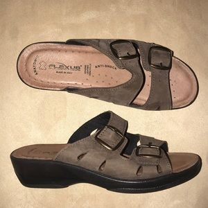 Flexus by Spring Step Anatomical Sandals